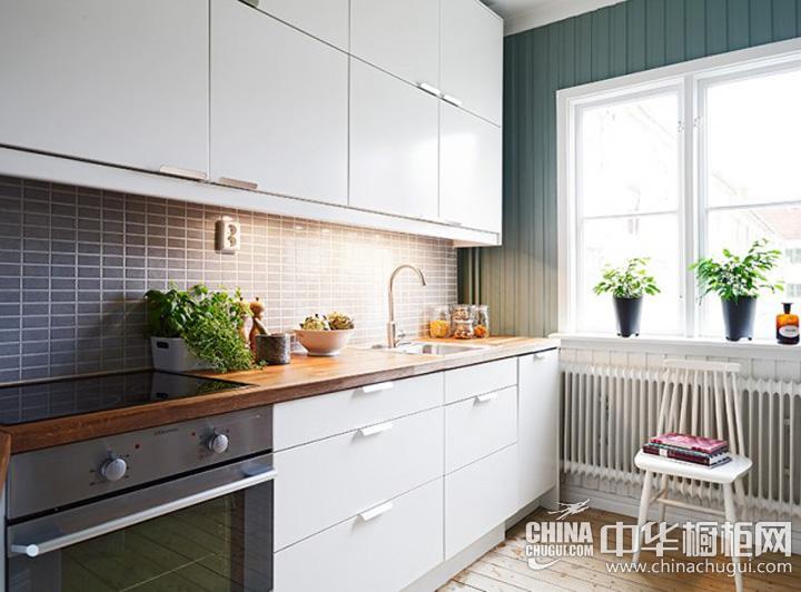简约风格厨房设计效果图 适当装饰营造小清新氛围
