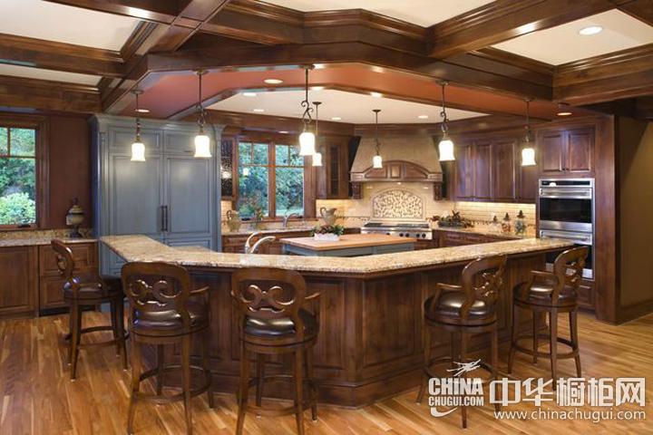 厨房吊顶装修效果图 棕色系空间唯美亢奋