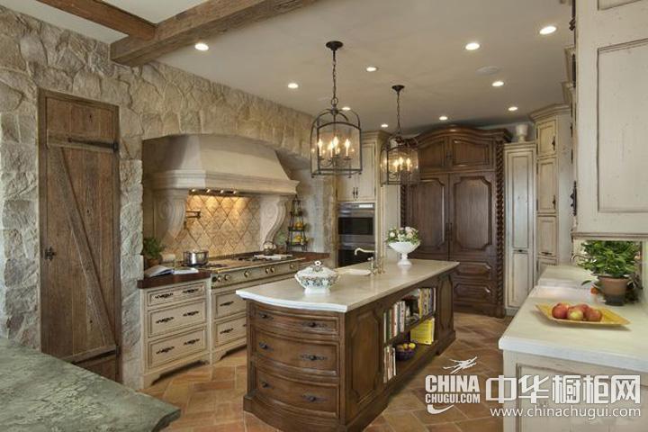 家庭厨房装修效果图 美式风格橱柜塑造古老情怀