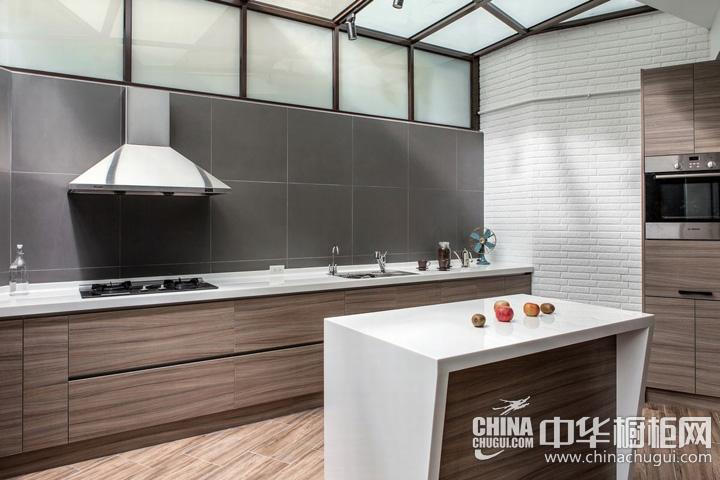 简约风格厨房装修效果图 原木色整体橱柜图片