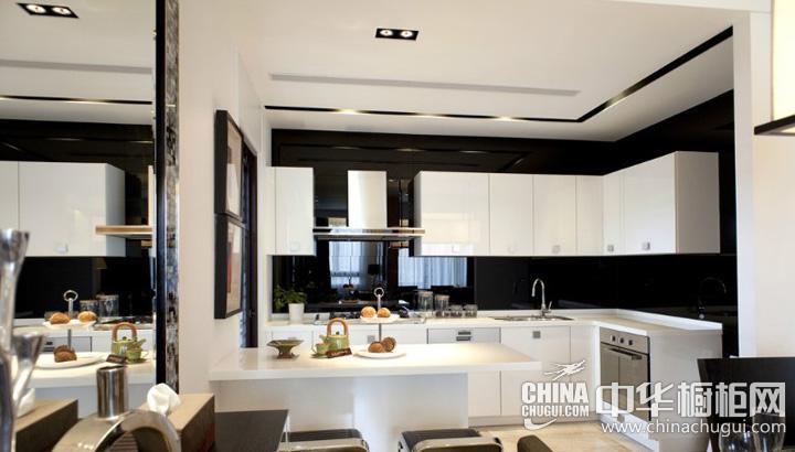 白色厨房装修效果图 整体橱柜效果图