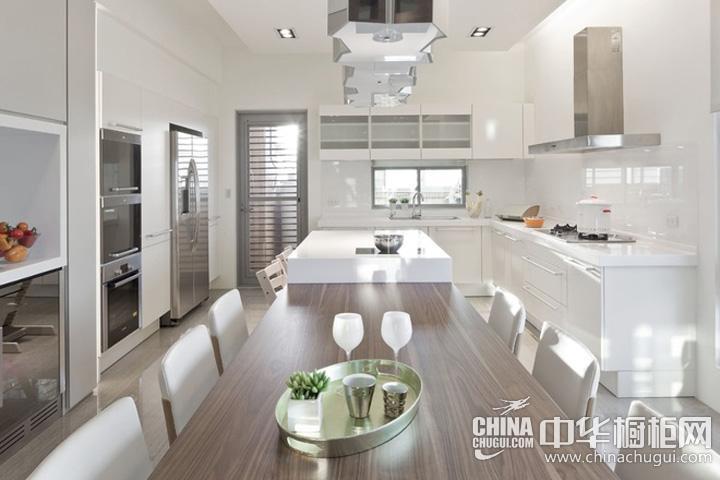 餐厨一体装修效果图 白色岛型橱柜图片