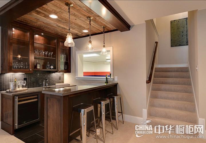 小户型厨房装修效果图 古典风格橱柜图片