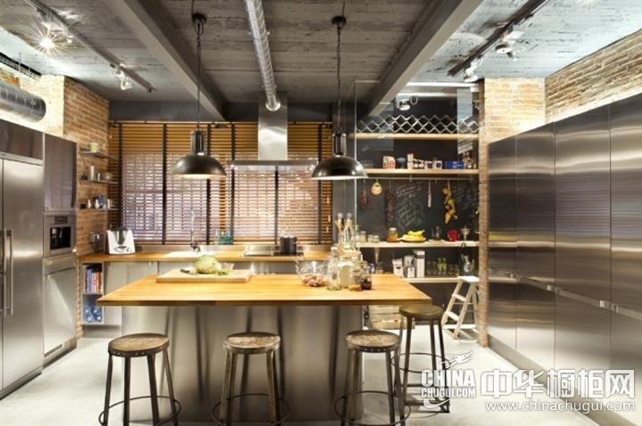 厨房吊顶装修效果图 工业风橱柜图片