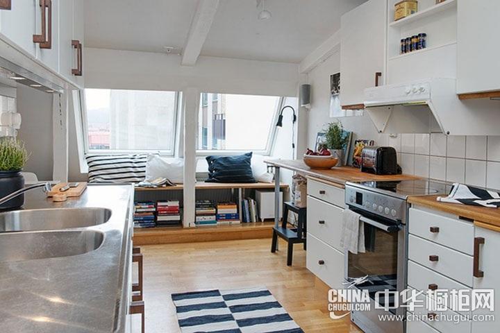 小户型开放式厨房装修效果图 一字型简约橱柜图片