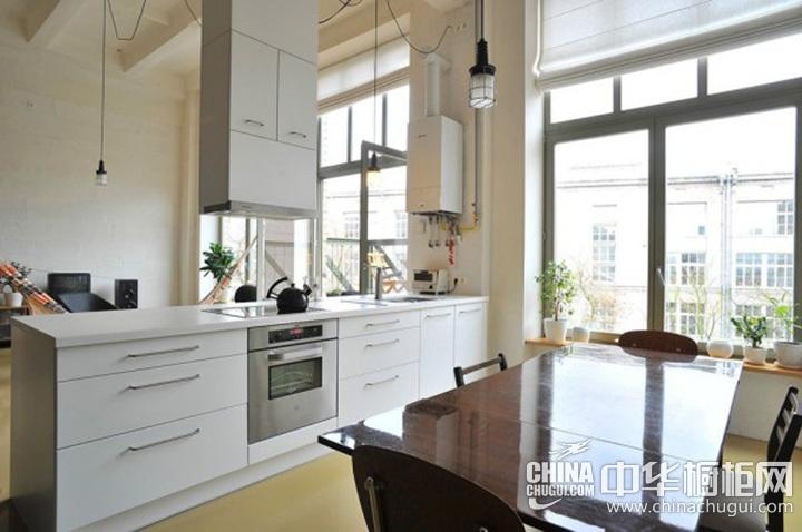 白色简约风格橱柜效果图 一字型橱柜设计图片