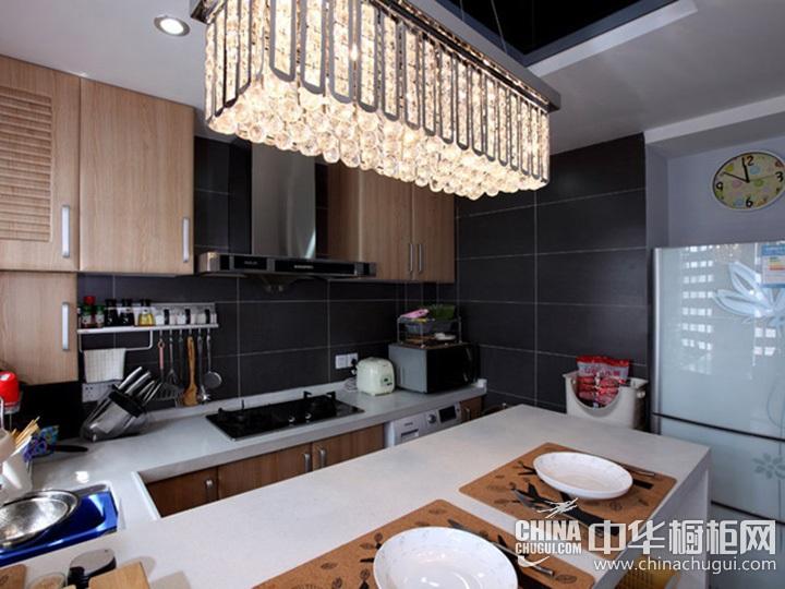 U型厨房装修效果图 U型厨房设计图片