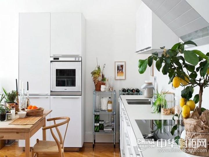 厨房餐厅装修效果图 厨房餐厅隔断效果图