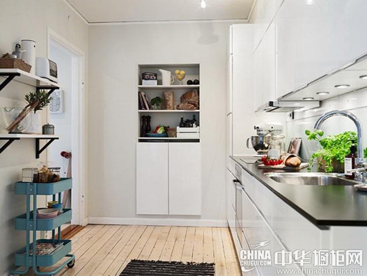 白色小厨房装修效果图 白色系厨房设计图