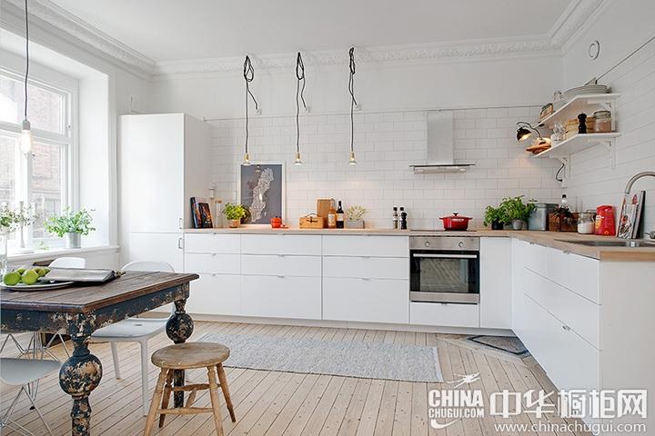 白色橱柜效果图 白色小厨房装修效果图