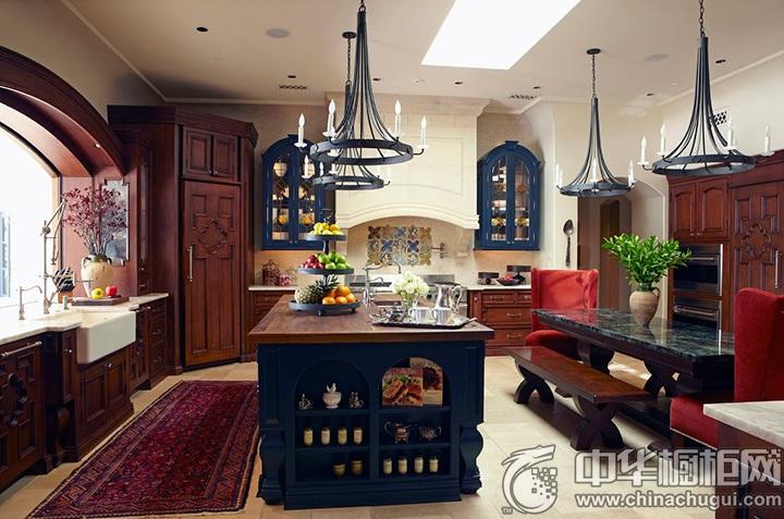 新古典厨房装修效果图 古典实木橱柜图片