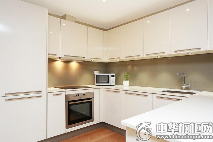 白色整体橱柜装修效果图 白色系厨房装修效果图
