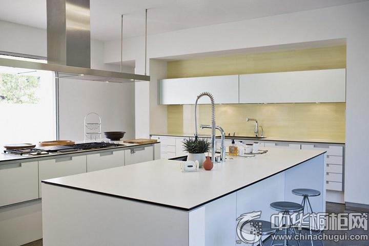 白色橱柜效果图 白色系厨房设计图