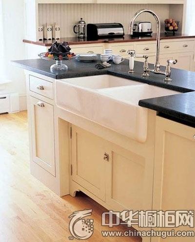 多功能厨房岛台设计 增添无限视觉乐趣