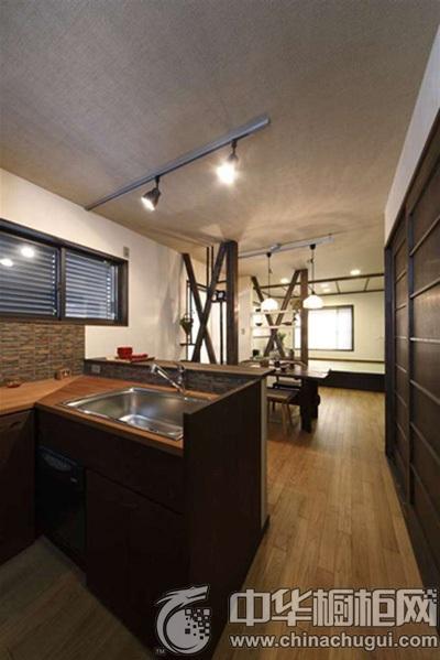 禅意日式家装案例 木质厨房装修尽显质感图片