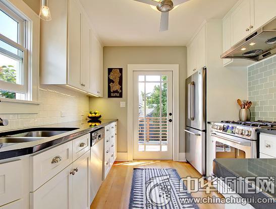 冬季暖心白 白色厨房装修图片