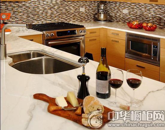 最美厨房新鲜出炉 金牌厨柜让你下厨也能拥有好心情