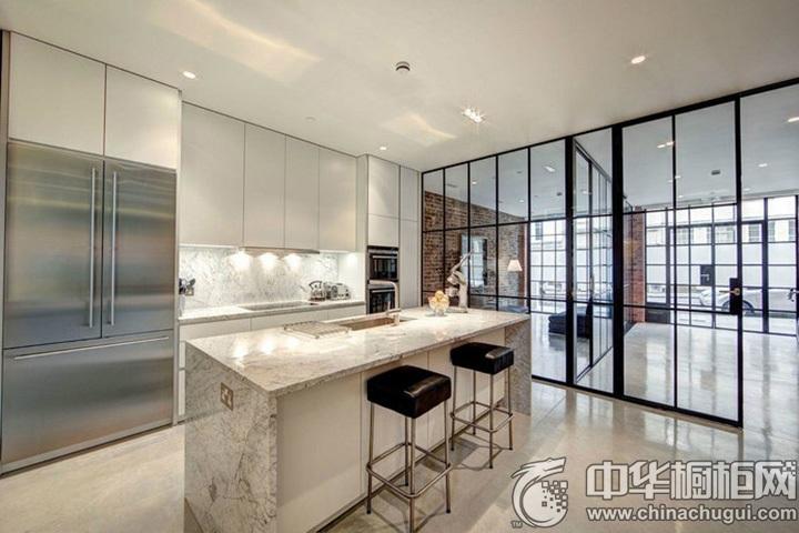 家庭厨房装修效果图 白色岛型橱柜图片
