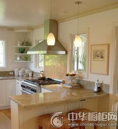 米黄色开放式厨房设计,没有厨房门的束缚,你直接可以看见餐桌,上菜图片