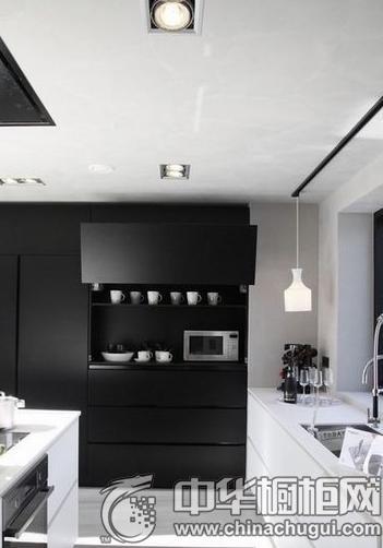 新好男人专属厨房 黑色厨房装修图鉴