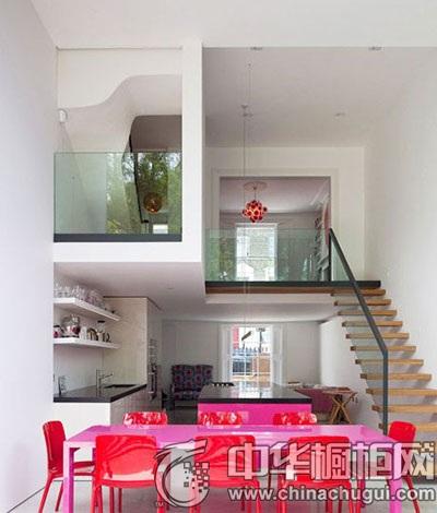 楼梯下方的厨房设计 家居达人推荐