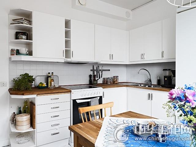 厨房餐厅装修效果图 白色橱柜效果图