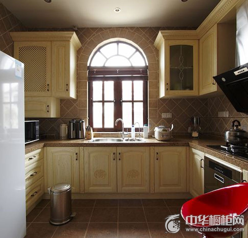 欧式厨房装修效果图 U型厨房装修效果图