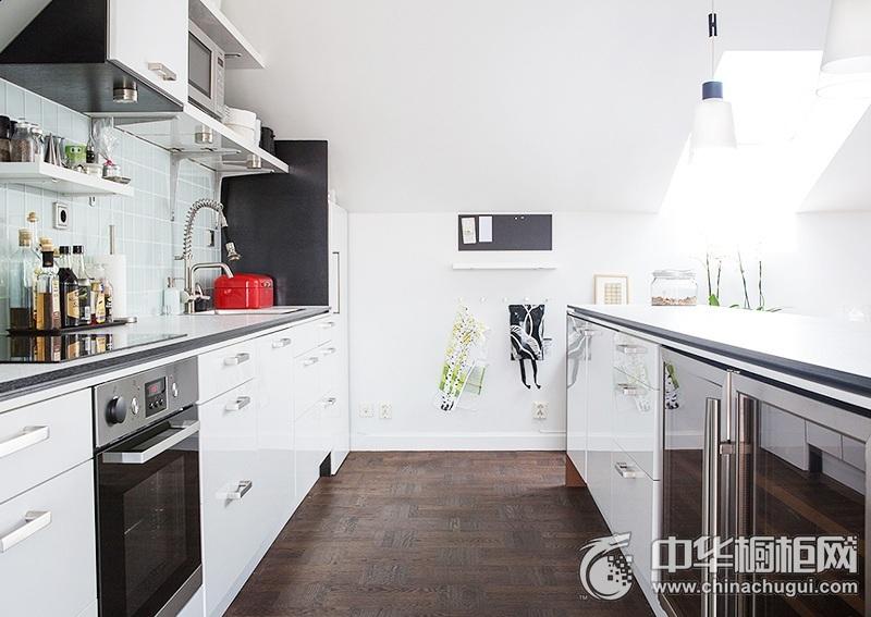 北欧风厨房装修效果图 白色橱柜设计图