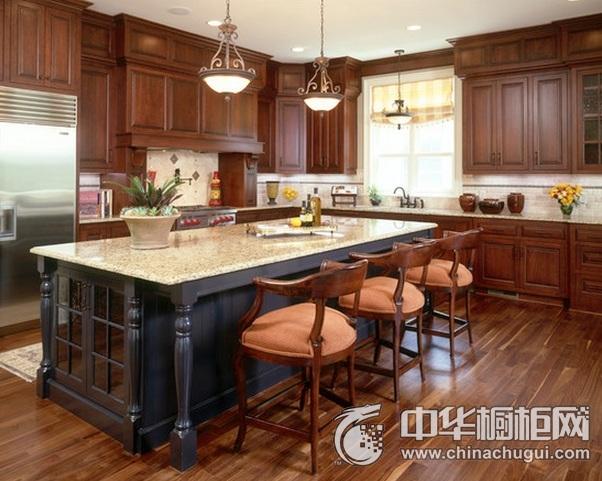 古典风格厨房装修效果图 岛型橱柜效果图
