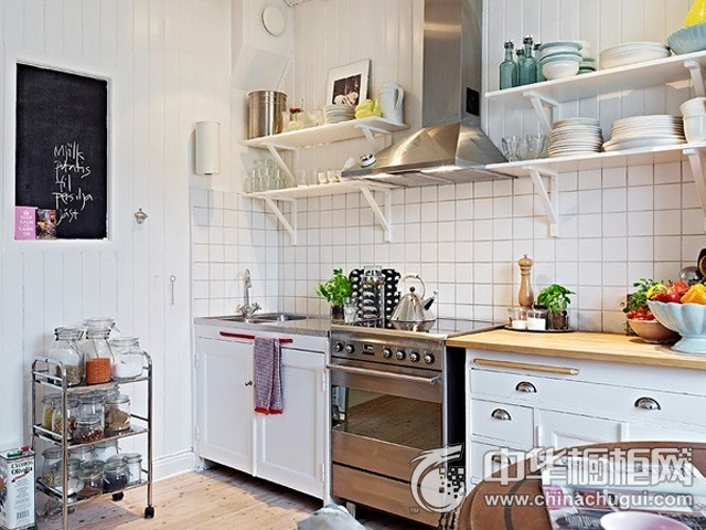 北欧风格橱柜效果图 一字型厨房装修效果图