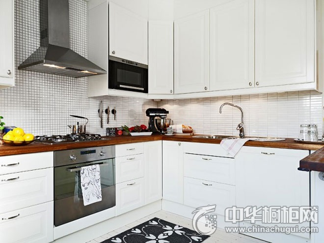 简约时尚厨房装修效果图 白色橱柜效果图