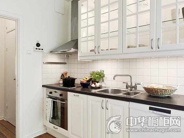 欧式厨房装修效果图 白色橱柜效果图