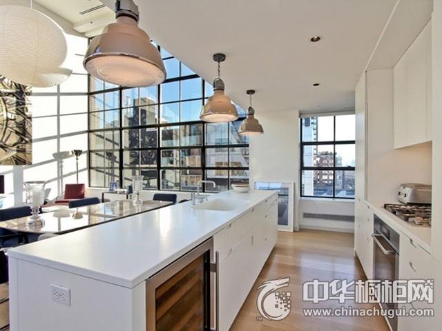 白色岛型橱柜效果图 厨房吧台装修效果图