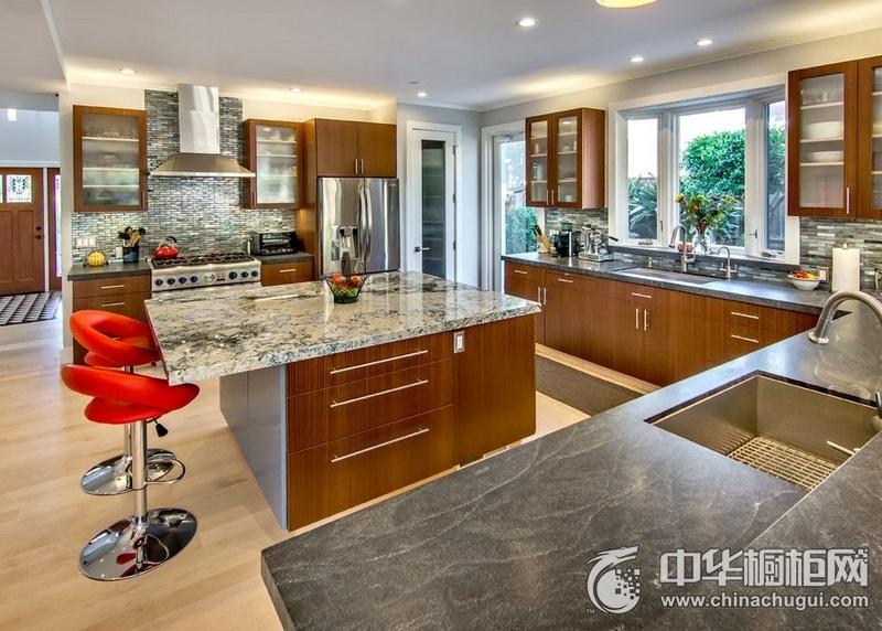 开放式厨房装修风格 岛型橱柜效果图