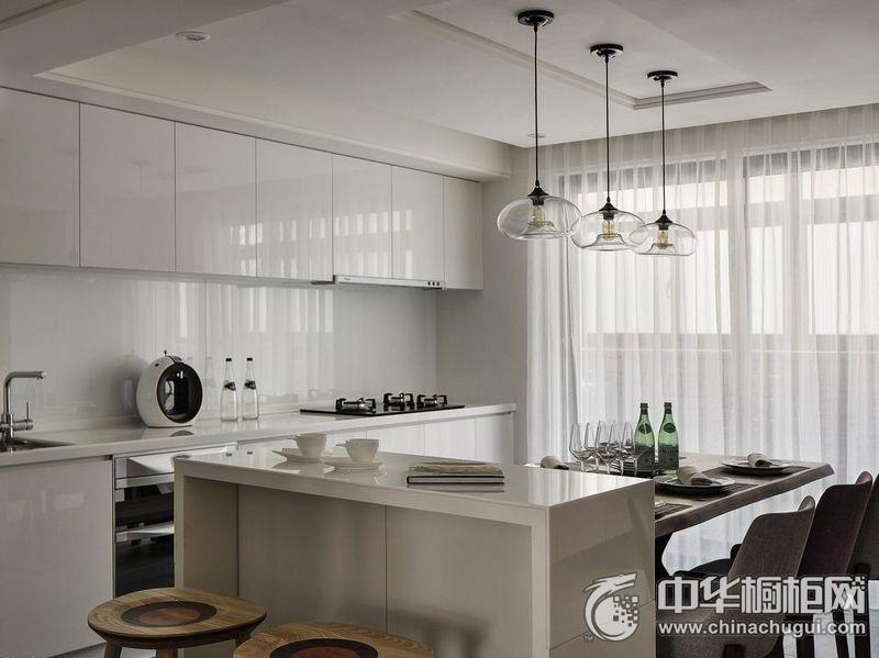 白色橱柜效果图 餐厨一体装修效果图