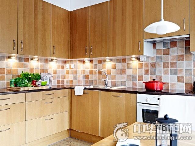 简约风格厨房图片 原木色橱柜效果图