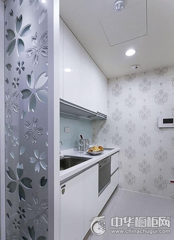 一字型整体橱柜图片  白色厨房装修效果图