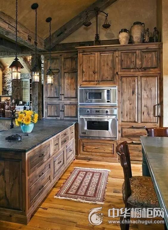 美式乡村风格橱柜效果图  原生态木质橱柜图片