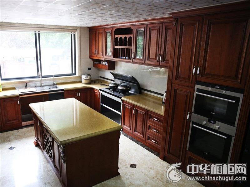 棕色整体厨房图片  岛型橱柜效果图