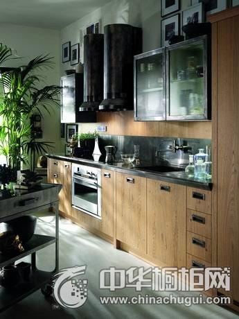暗调厨房的工业感  工业风格橱柜设计