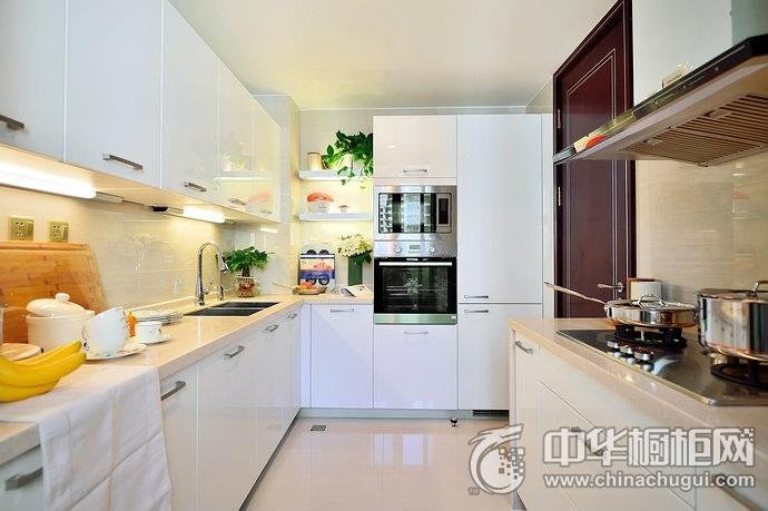 现代公寓U型厨房设计  北欧风格整体橱柜图片