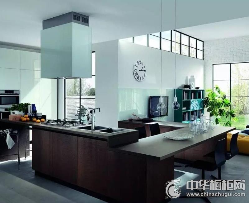 现代简约风格厨房图片  整体橱柜装修效果图