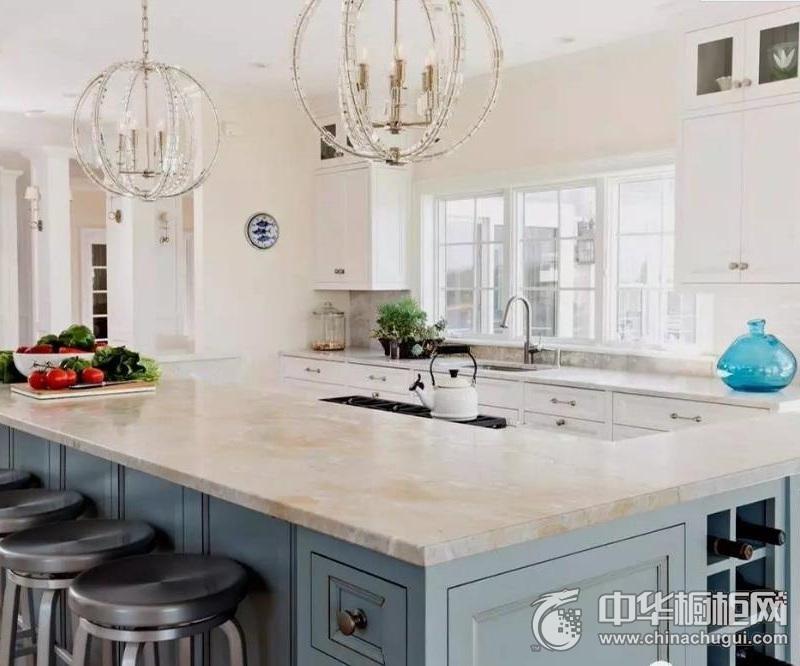 淡蓝色整体橱柜设计   开放式厨房装修效果图