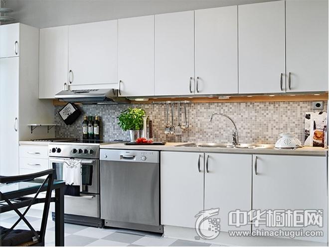 明亮温馨简欧风厨房装修效果图   一字型整体橱柜图片