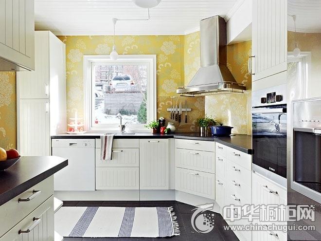 99平米经典清新住宅厨房装修效果图   L型整体橱柜图片