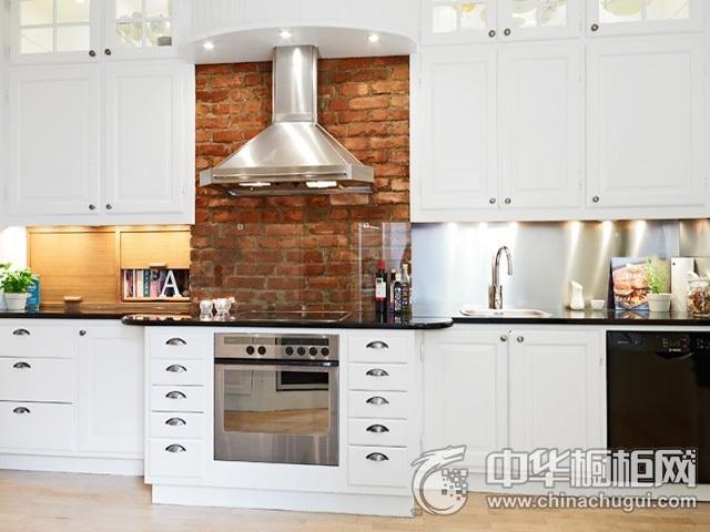 北欧风格整体橱柜图片  一字型厨房装修效果图