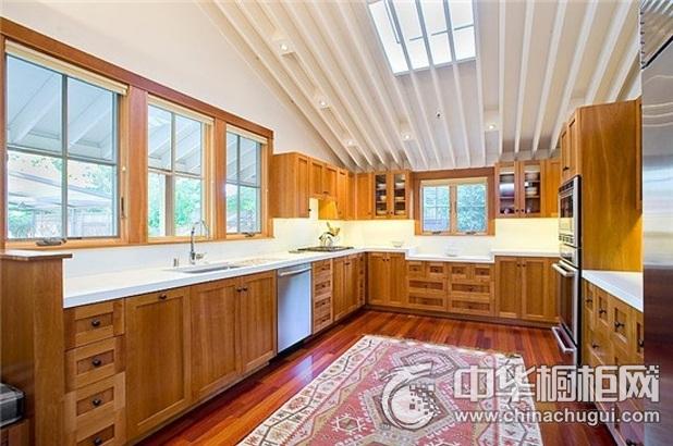 田园风格整体橱柜图片   U型厨房装修效果图