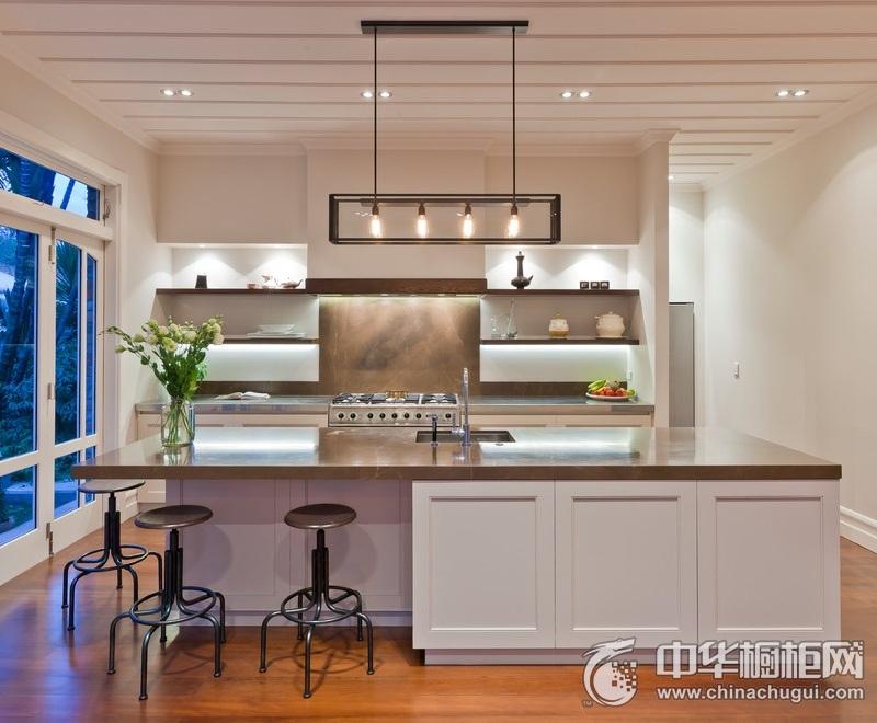 白色三居室厨房装修效果图 一字型橱柜图片