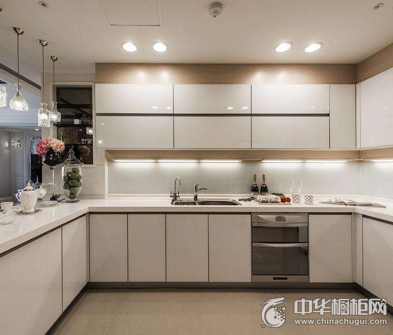 大气欧式风格橱柜图片 白色烤漆U型橱柜效果图