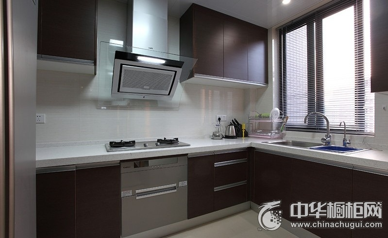 104平二居室简约风厨房橱柜装修效果图
